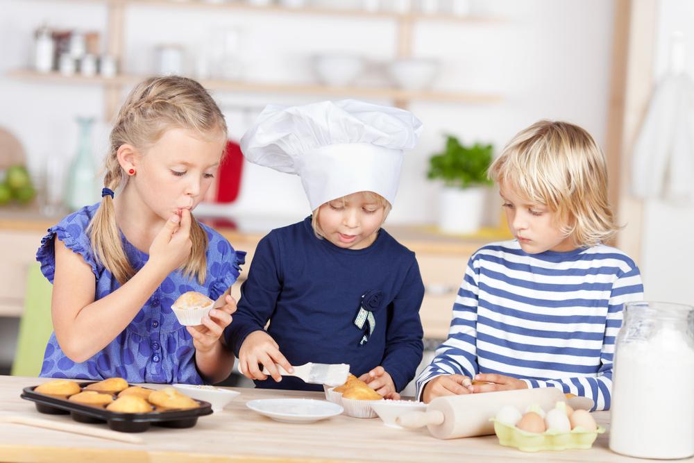 baking children kids food_215317768
